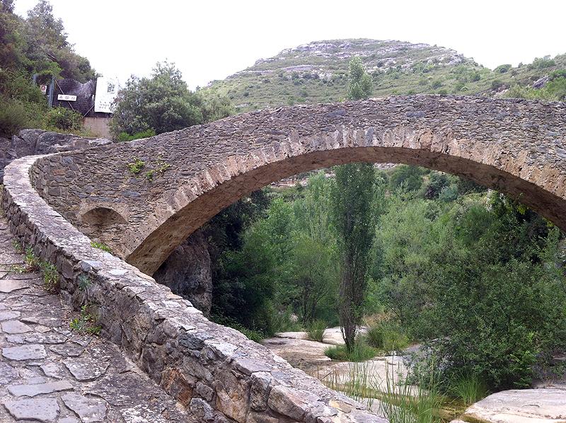 Puente sobre el río Rossinyol