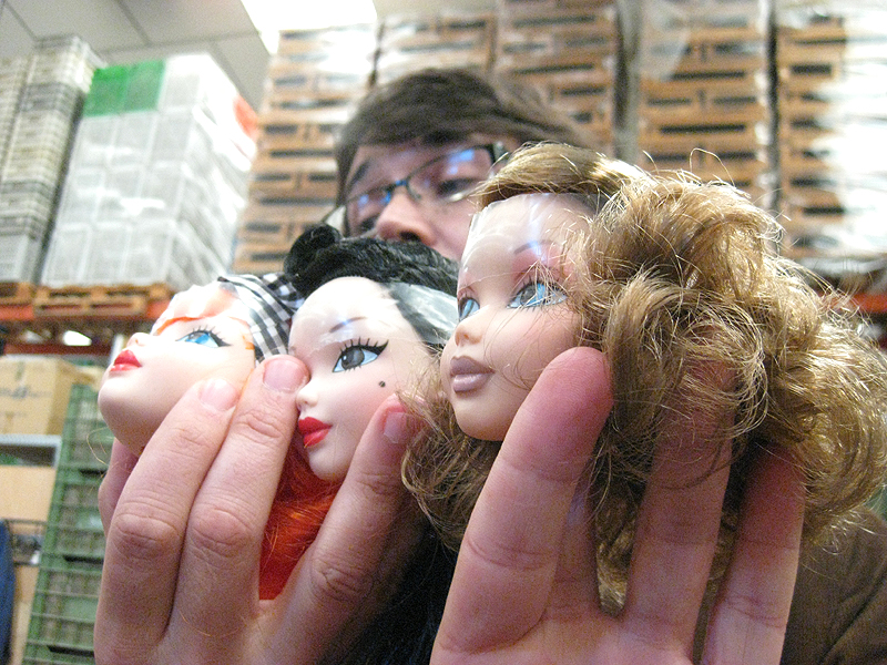 Distintas cabezas de modelos de muñecas Berjuan