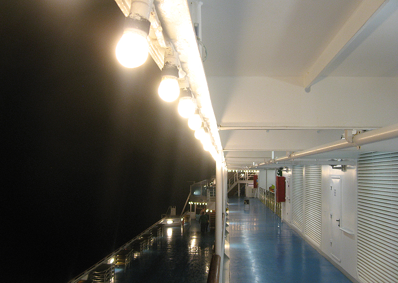 Navegando de noche en el Costa Concordia