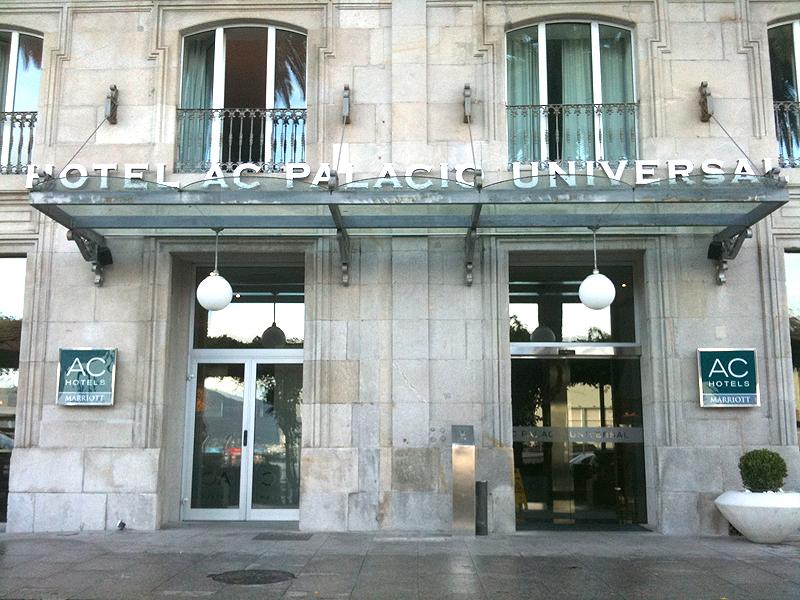 Fachada del Hotel AC Palacio Universal Marriot