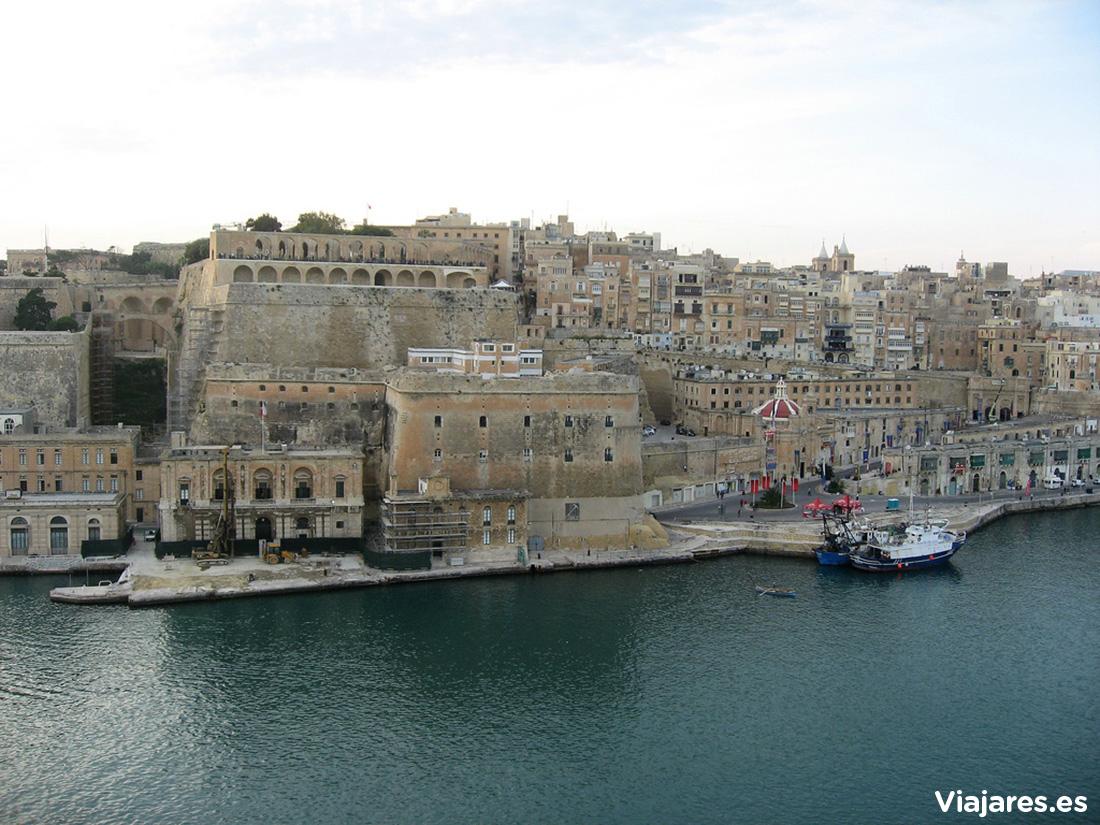 Entrada al precioso puerto de La Valletta, Malta