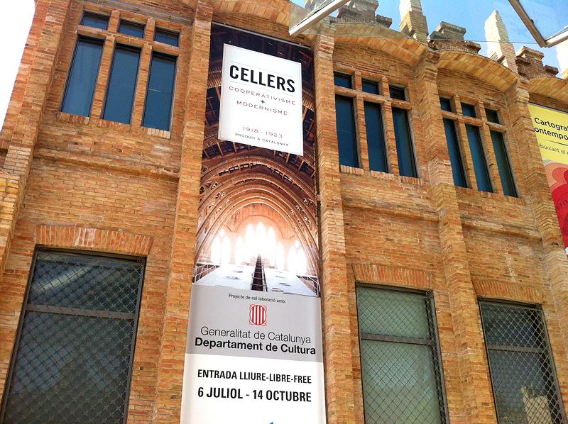 Cartel en la entrada de la exposición en CaixaForum Barcelona