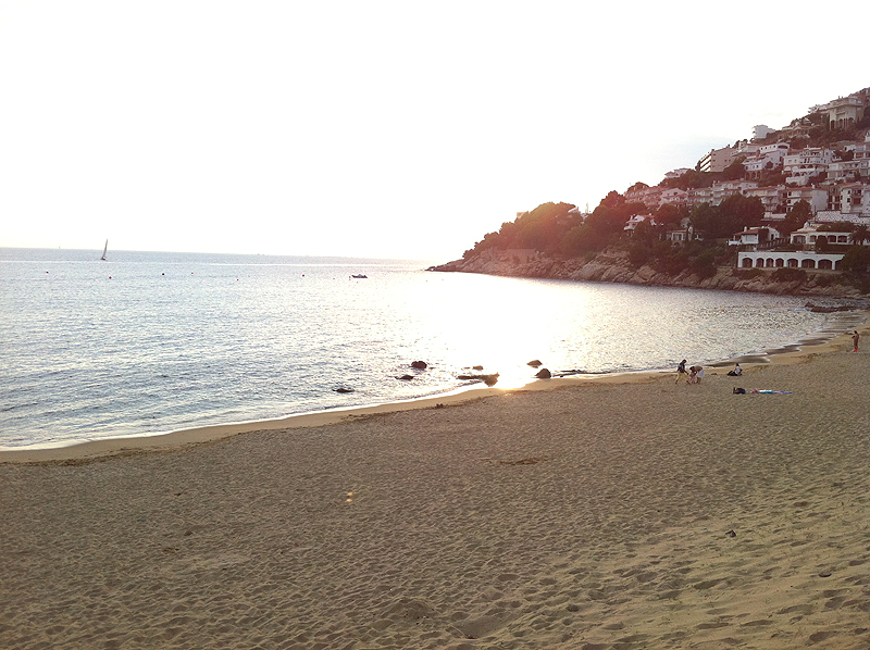 Playa de Canyelles Petites, Roses