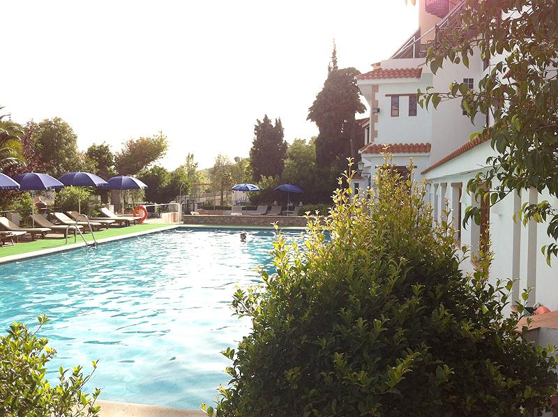 La piscina, uno de los mejores espacios del hotel