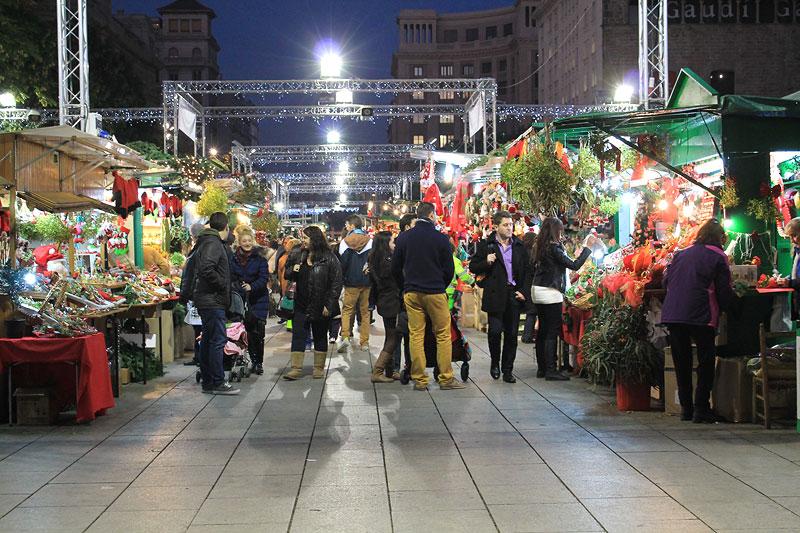 El más tradicional de los mercados navideños en Barcelona, Santa Llúcia