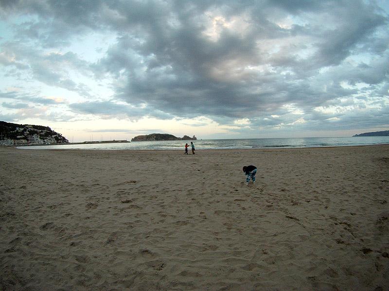 Playa en Estartit con las Illes Medes al fondo