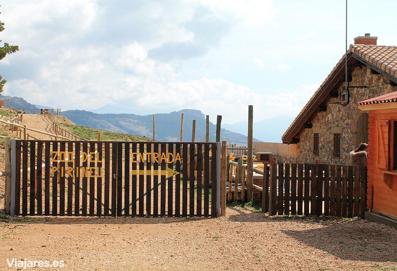 Entrada a las instalaciones del Zoo dels Pirineus