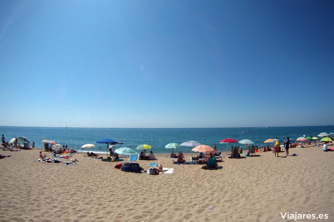 Calella es un muy buen destino para disfrutar de la playa