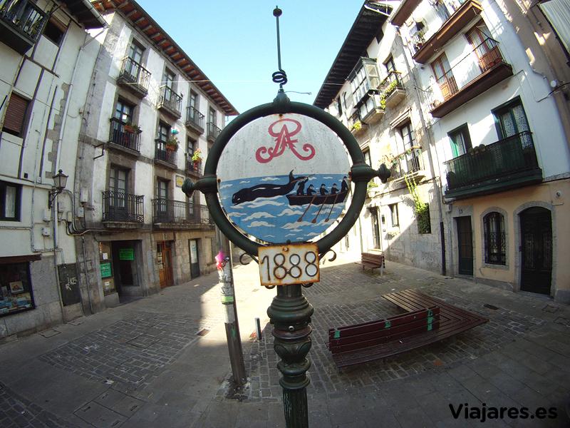 Plaza de Arrenegi en Lekeitio, Bizkaia Costa Vasca