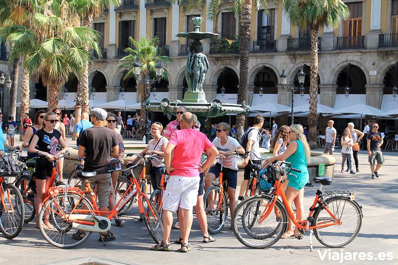 turistas-plaza-real