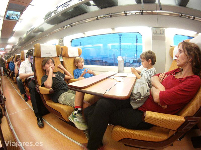 Viajando en tren rumbo a Toulouse, Francia