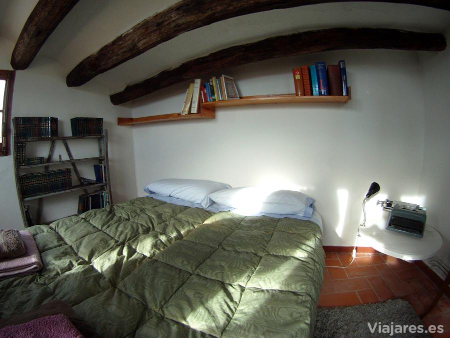 Habitación del escritor en Cal Pinyota