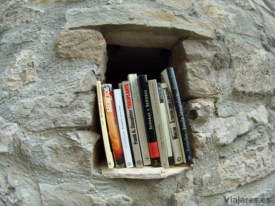 Los libros están presentes en cada rincón de Bellprat