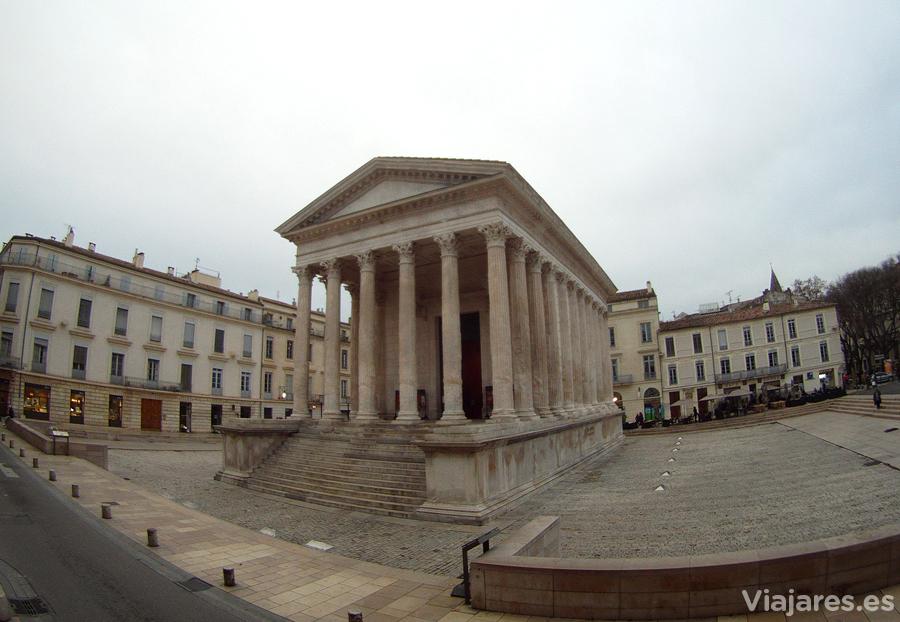 Templo romano Maison Carrée