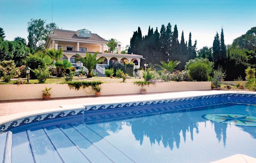 Casa con una espléndida piscina para vacaciones en Málaga
