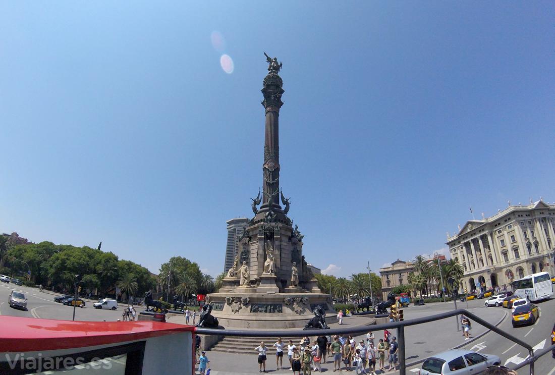 La estatua de Colón al final de la Rambla de Barcelona