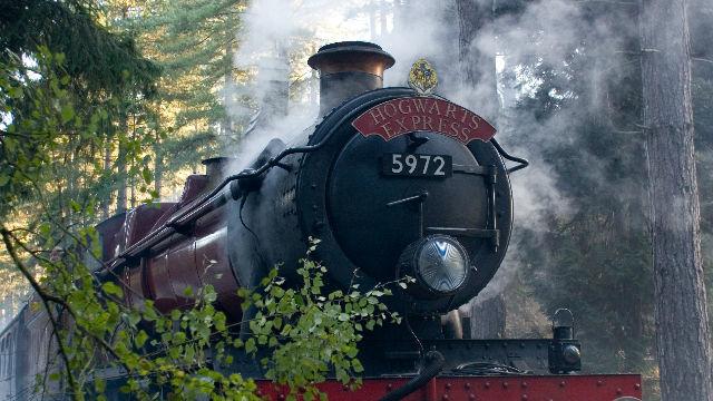 Tren Hogwarts Express