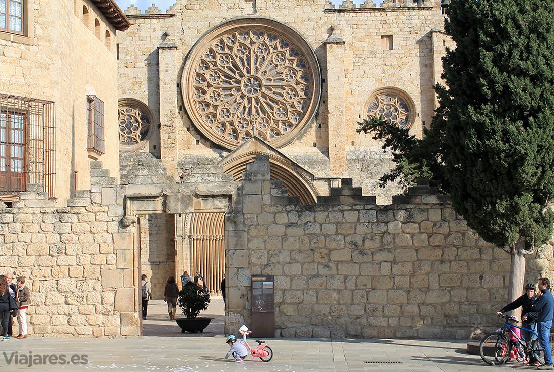 Fachada del Real Monasterio de Sant Cugat