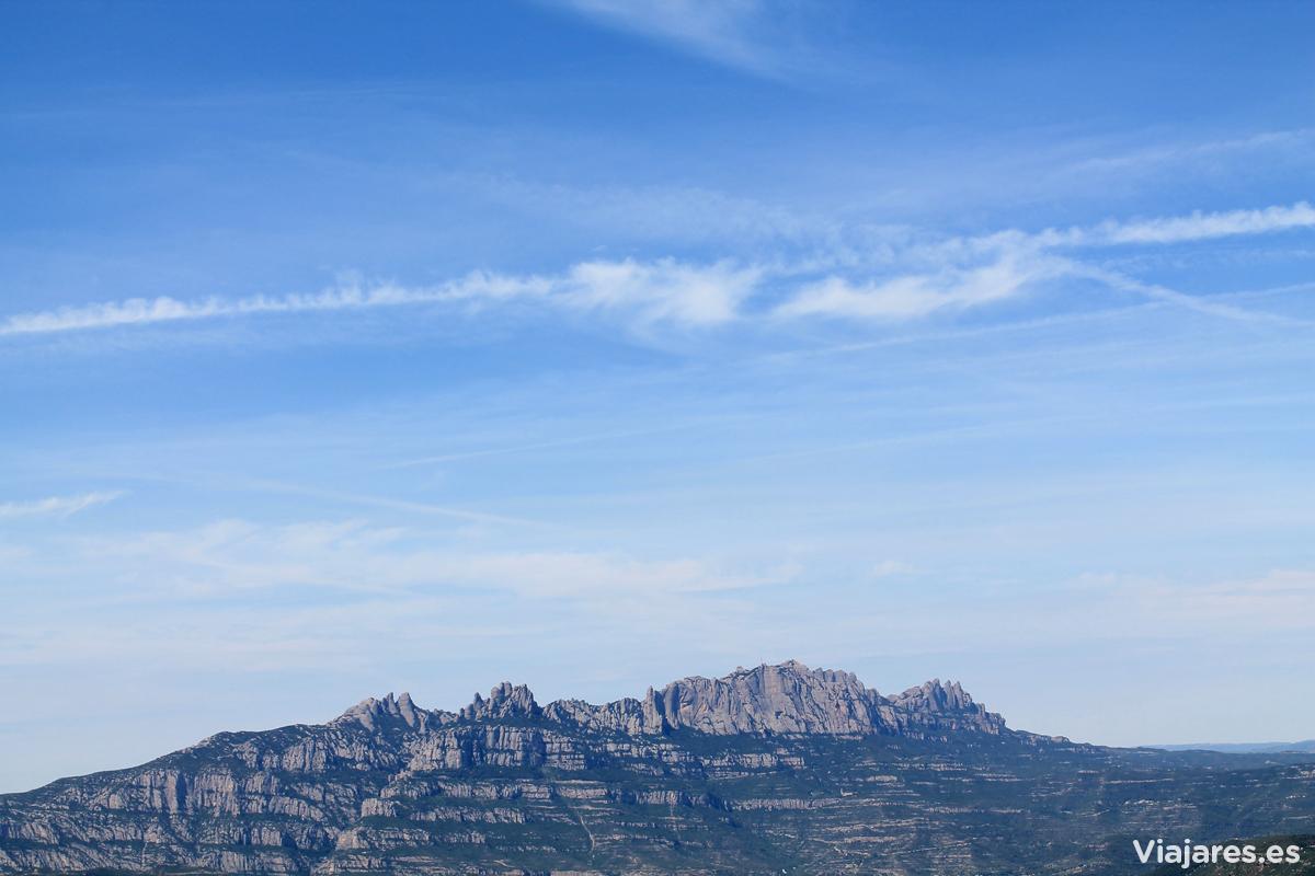 Silueta de Montserrat desde el Parque de Sant Llorenç del Munt i l'Obac