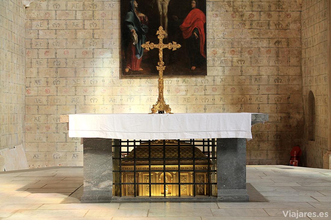 Reliquias de Santo Tomás de Aquino en la iglesia