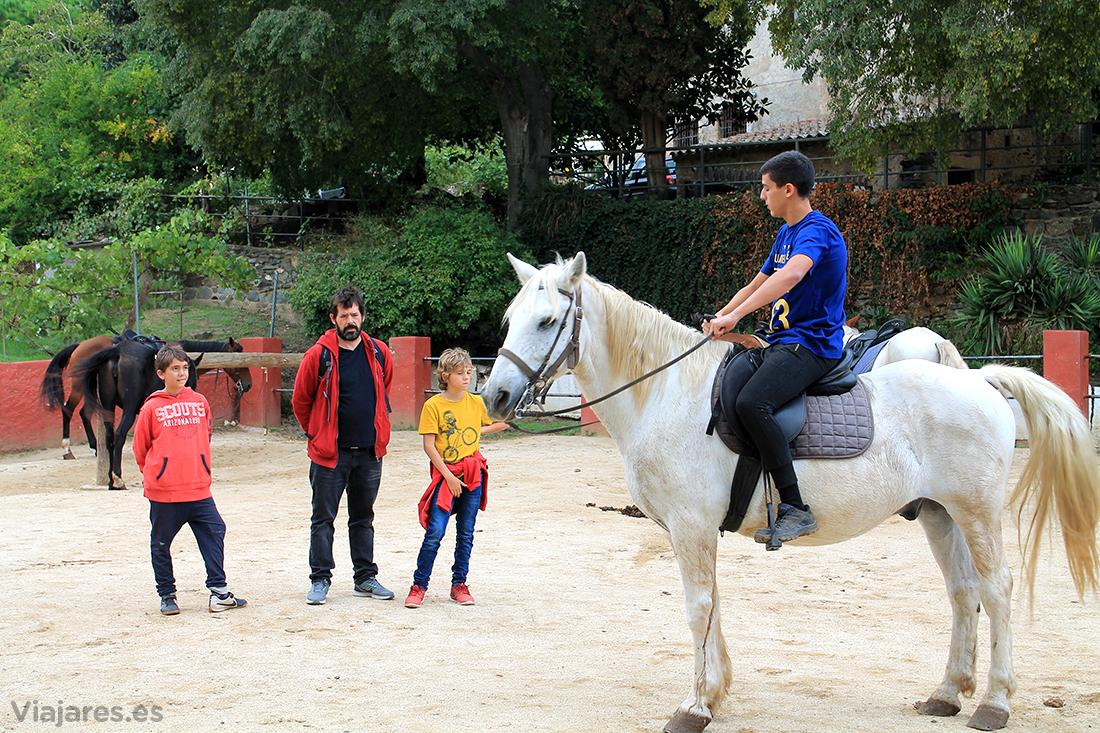Instrucciones para montar bien a caballo