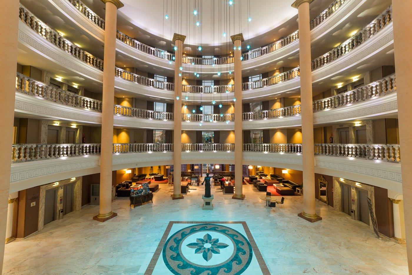 Hall y recepción en Hotel Palas de La Pineda
