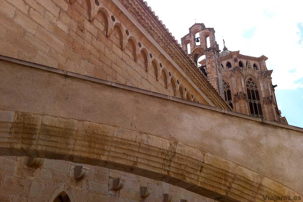 Detalles arquitectónicos del Monasterio de Poblet