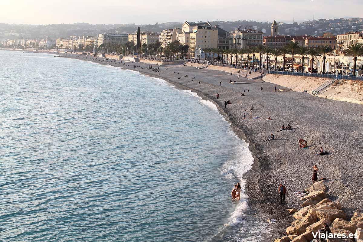 Playa de la ciudad de Niza