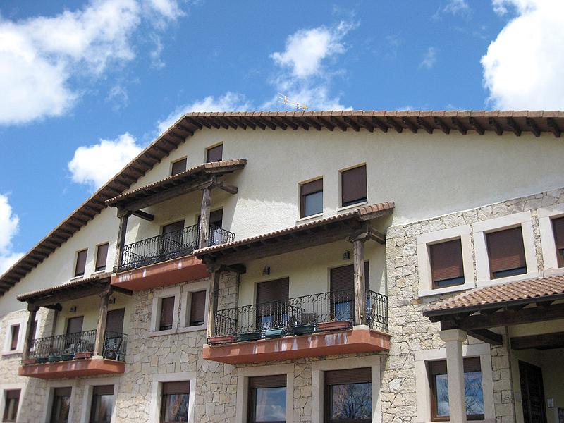Fachada del Hotel Garabatos