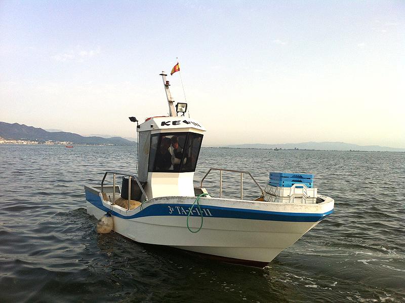 La barca de Agustía en la Bahía de los Alfaques