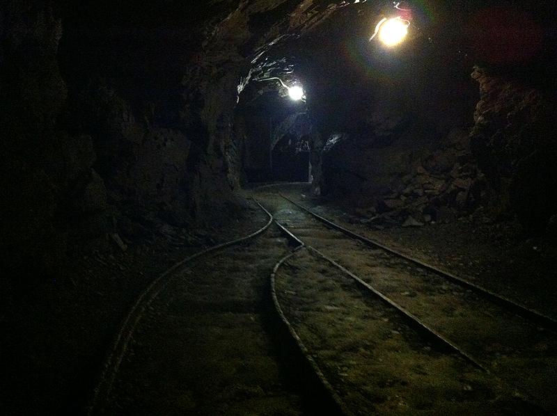 Interior de la mina de plomo